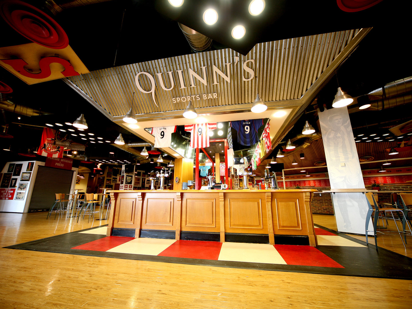 Quinns-Sports-Bar-Interior